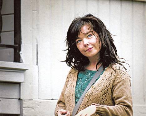 Islantilaismuusikko Björk näyttelee Lars von Trierin Dancer in the Darkissa Selmaa, Yhdysvaltoihin muuttanutta köyhää yksinhuoltajaa, jolla on hymy herkässä.