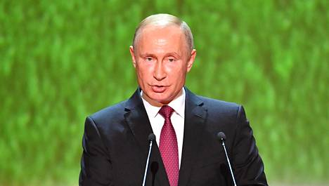 Vladimir Putinia arvostetaan Venäjällä ennen kaikkea ulkopolitiikkansa vuoksi. Helsingin kokousta verrataan Venäjällä Neuvostoliiton suurvalta-aikoihin. Putin piti puheen gaalakonsertissa Bolšoi-teatterissa Moskovassa lauantaina.