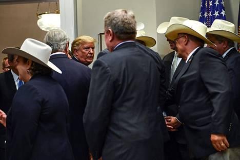 Presidentti Donald Trump piti tiedotustilaisuuden EU:n kanssa solmitusta naudanlihasopimuksesta Valkoisessa talossa.