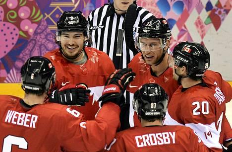 Drew Doughty upotti Suomen kahdella osumallaan.
