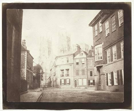 Maisemakuva Pohjois-Englannissa sijaitsevasta Yorkista vuodelta 1845. Kuva ei välttämättä kuulu kaupattujen kuvien joukkoon.