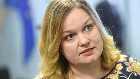 Perhe- ja peruspalveluministeri Krista Kiuru (sd) palasi maanantaina lomaltaan töihin.