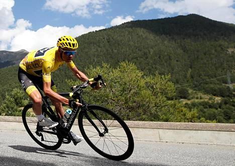 Ranskan ympäriajon kokonaiskilpailun johtajan keltainen paita pysyy Chris Froomen hallussa.