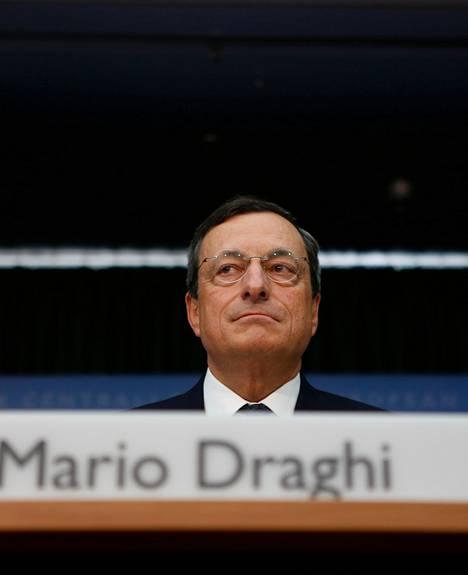 Mario Draghi painotti torstaina, että velkakirjojen ostot eivät vaaranna EKP:n itsenäisyyttä.