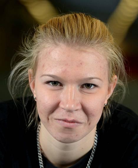 Julia Kykkänen metsästää mitalia naisten normaalimäen kilpailussa. Yle Fem klo 19.45.
