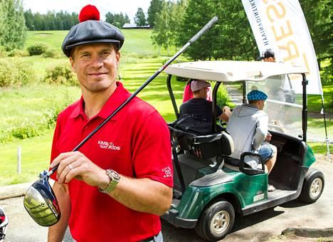 Kimmo Timonen on isännöinyt vuosittain hyväntekeväisyystapahtumaa Siilinjärvellä. Kuva on vuodelta 2012.