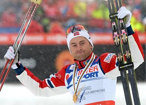 Petter Northug juhli uransa aikana muun muassa 50 kilometrin MM-kultaa Falunissa vuonna 2015.