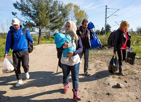 Ryhmä syyrialaispakolaisia yritti kaksi viikkoa sitten päästä kävellen Kreikasta Makedonian ja Serbian läpi kohti EU:n pohjoisia maita.