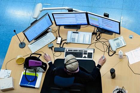 Hätäkeskuksen uuden Erica-järjestelmän valmistelu aloitettiin jo vuonna 2008 ja se otettiin käyttöön vuonna 2018. Kuva Keravan hätäkeskuksesta vuodelta 2013.