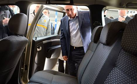 EU-maita on ärsyttänyt Venäjän tuki oman maansa autoteollisuudelle. Silloinen pääministeri Vladimir Putin vieraili viime huhtikuussa Toljatissa maan suurimman autonvalmistajan Avtovazin tehtaassa, jossa valmistetaan muun muassa Ladan Largus-mallia.