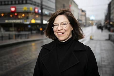 Anni Sinnemäki toimii tällä hetkellä kaupunkiympäristöstä vastaavana apulaispormestarina. Hän on entinen apulaiskaupunginjohtaja, kansanedustaja, ministeri ja vihreiden puheenjohtaja.