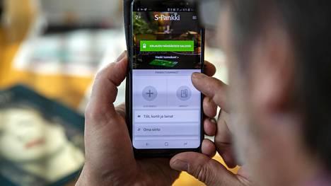 S-mobiili on S-ryhmän ja S-Pankin palvelut yhdistävä mobiilisovellus.