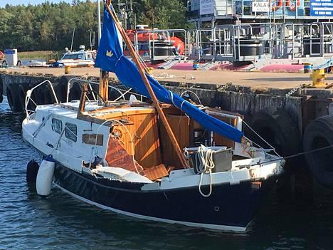 Airiston veneturmassa kuoli kaksi miestä. Veljekset olivat purjeveneen kyydissä.