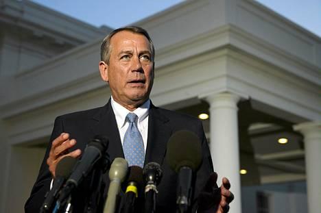 Kongressin edustajainhuoneen puheenjohtaja, republikaani John Boehner kommentoi tuoreeltaan presidentti Barack Obaman johtamaa kokousta Valkoisen talon pihalta.