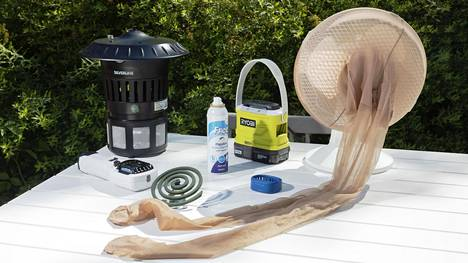 Toimittajien testaamista hyttyskarkottimista ja -ansoista tehokkaimmin toimivat ne, joissa oli lämpenevä karkotematto.
