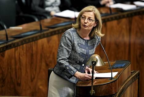 Sosiaali- ja terveysvaliokunnan varapuheenjohtaja Anneli Kiljunen (sd) kohdistaisi mahdolliset sosiaaliturvan korotukset aktiivisille työttömille.