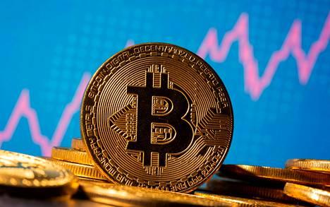 Kryptovaluutta Bitcoinin arvonnousu on kiihtynyt vuodenvaihteessa. Valuutta meni arvoltaan yli 30000 dollarin heti vuodenvaihteen jälkeen, ja sunnuntaiaamuna sen arvo nousi jo 34000 dollariin. Edellisen rajapyykin eli 20000 dollarin ylityksestä on vasta kaksi viikkoa.