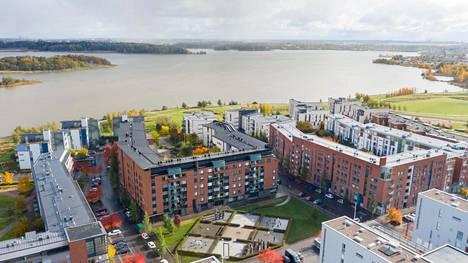 Helsingin kaupungin tavoite on rakentaa asuinalueille niin sääntelemättömiä kuin säädeltyjä asuntomuotoja. Kuvassa Hekan vuokra-asuntotalo Arabianrannassa osoitteessa Gunnel Nymanin katu 5.