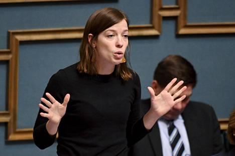 Vasemmistoliiton puheenjohtaja Li Andersson eduskunnassa helmikuussa.