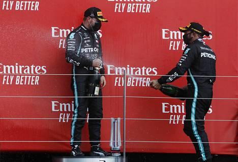Mersu-kuskien juhlat olivat Silverstonen GP:ssä vaisut Red Bullin Max Verstappenin vietyä voiton Lewis Hamiltonin ja Valtteri Bottaksen edestä.