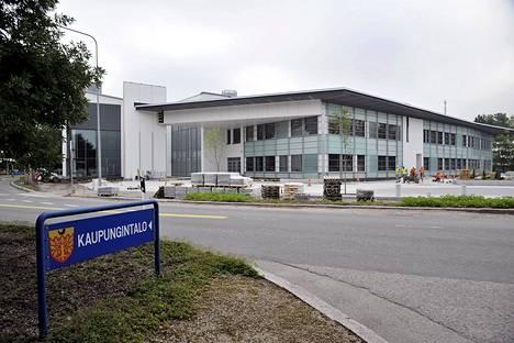 Salon uusi kaupungintalo rakenteilla heinäkuussa 2011.