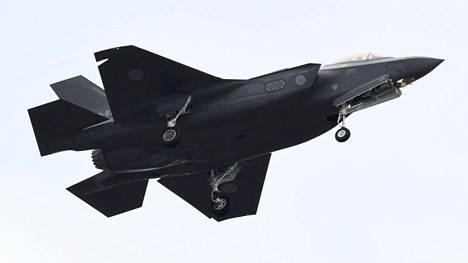 Japanin asevoimille kuuluva F-35-hävittäjä.