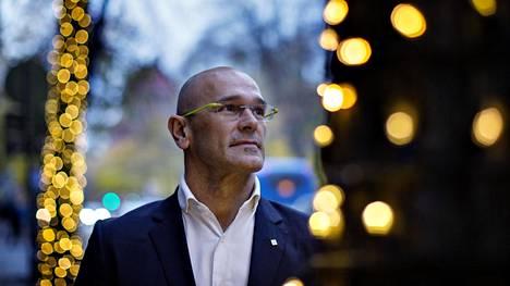 Katalonian ulkoasiainjohtaja Raül Romeva vieraili viime viikolla Helsingissä. Hän muun muassa tapasi jäseniä eduskunnan Katalonia–Suomi-ystävyysryhmästä ja osallistui ajatushautomo Magman keskustelutilaisuuteen.