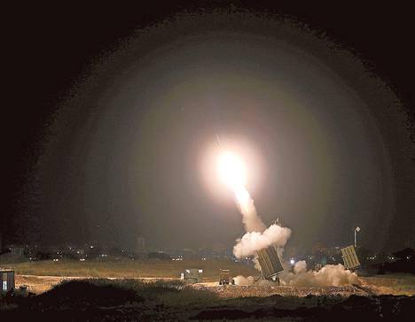 Israelin armeija laukaisi tiistai-iltana ilmatorjuntaohjuksen Ashdodin kaupungissa.