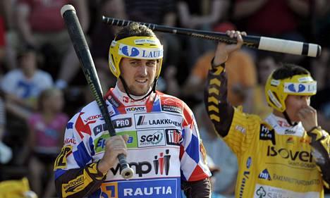 Hyvinkään Timo Rantatorikka löi kunnarin runkosarjan viimeisen kierroksen ottelussa Hyvinkää-Vimpeli.