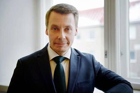 Lapsiasiavaltuutettu Tuomas Kurttilan mukaan maahanmuuttajaperheiden lapsia lähetetään vanhempien synnyinmaahan