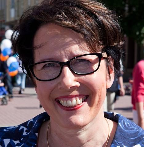 <nimi>Leila Kostiainen<BR/></nimi>STTK:n pääsihteeri<BR/>&#34;Kyllä Suomi selviää, sillä on Suomi aina selviytynyt, kunhan teemme päätökset demokraattisesti ja löydämme siten parhaat ratkaisut.&#34;