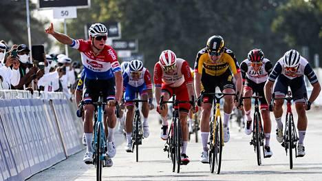 UAE Tourin avausetapin voitti hollantilainen Mathieu van der Poel.
