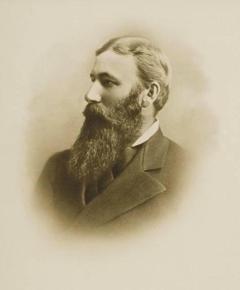 Gustaf Nybomista tuli Gustave Niebaum vuonna 1873.