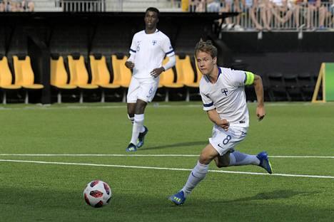 Saku Ylätupa on pelannut kaksi ottelua miesten maajoukkueessa. Kuva alle 21-vuotiaiden maaottelusta vuodelta 2019.