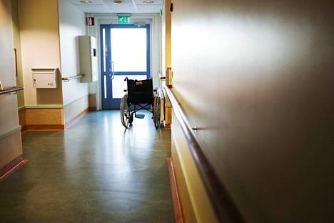 Tuomittu tuli uhrin huoneeseen tämän nukkuessa syyskuussa 2017.