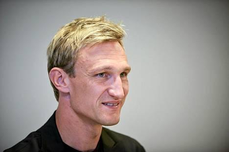 Sami Hyypiä valmentaa ensi kaudella Englannissa.