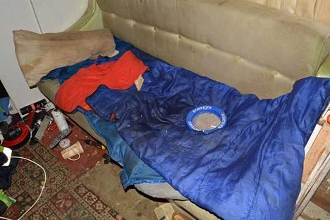 Uhrit asuivat huonoissa oloissa ilman vessoja tai juoksevaa vettä.