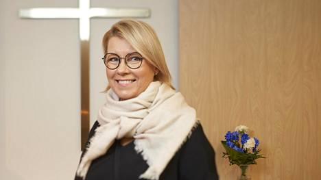 Sairaalateologi Tuula Portin Kanta-Hämeen keskussairaalan kappelissa Hämeenlinnassa.