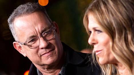 NäyttelijäpariskuntaTom Hanks (vas.) ja Rita Wilson ovat äänekkäitä koronaviruspuhujia.