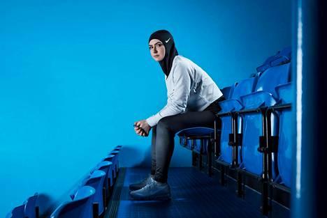 Nike kehitti huivin, joka soveltuu ammattilaisurheiluun.