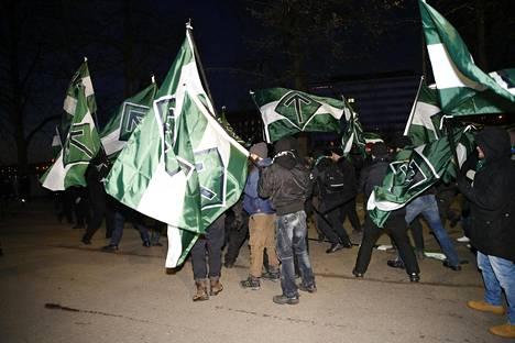 Suomen vastarintaliike oli mukana itsenäisyyspäivän mielenosoitusmarssilla Helsingissä viime joulukuussa.