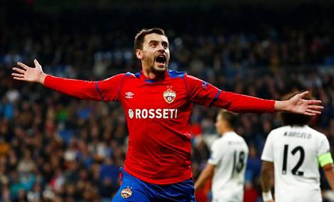 Georgi Schennikov vei Moskovan TsKAN:n 2–0-johtoon Real Madridia vastaan.