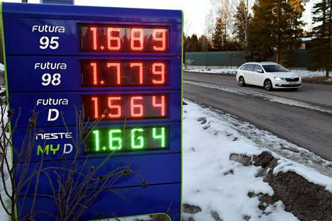 Polttoaineiden hintojen nousu viime huhtikuusta tämän vuoden huhtikuuhun oli huomattavasti suurempi kuin maaliskuusta maaliskuuhun.