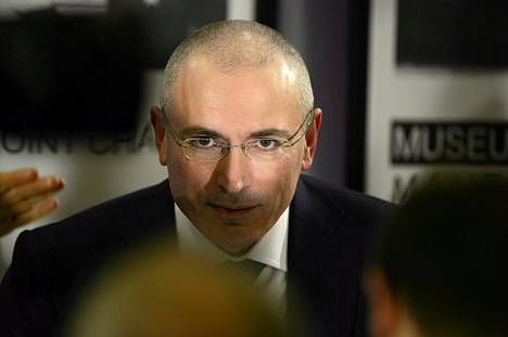 Mihail Hodorkovski piti vapautumisensa jälkeen toistaiseksi ainoan lehdistötilaisuuden Berliinissä joulukuussa.