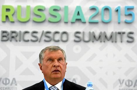 Venäläisen öljy-yhtiön Rosneftin johtaja Igor Sechin varoitti presidentti Vladimir Putinia Venjää uhkaavasta bensiinipulasta.