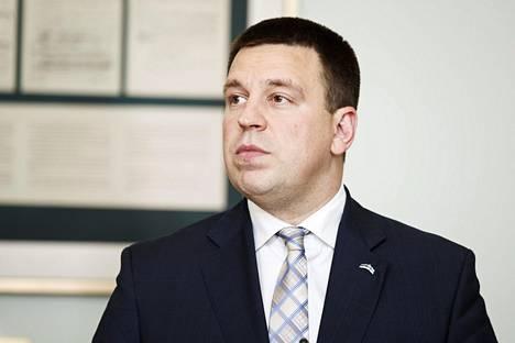 Viron pääministeri Jüri Ratas lehdistötilaisuudessa Stenbocki Majassa Tallinnassa 14. kesäkuuta 2019.