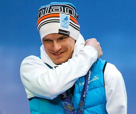 Hiihtäjä Ilkka Tuomisto oli ainoa suomalaismitalisti paralympialaisissa.