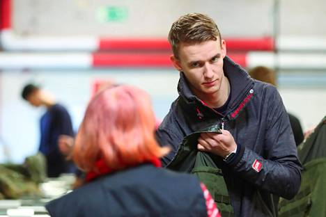 Akseli Lankinen pääsi torstaina siviiliin. Sitä ennen vuorossa oli varusteiden palautus Puolustusvoimien urheilukoulussa Santahaminassa.