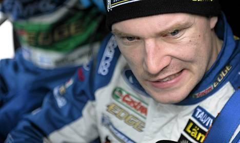 Jari-Matti Latvala teki pienen virheen avauserikoiskokeella.