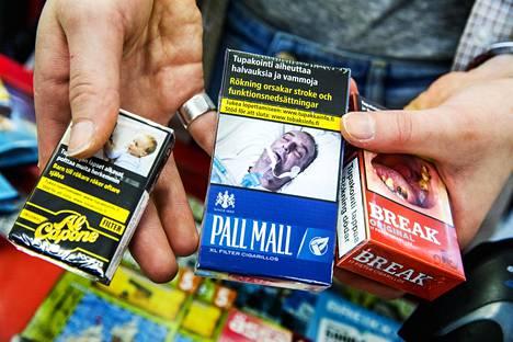 Tupakan hinnoissa huimat erot EU:ssa: Kallein maa lähes tuplasti Suomea tyyriimpi – halvimmillaan askin saa alle puoleen hintaan